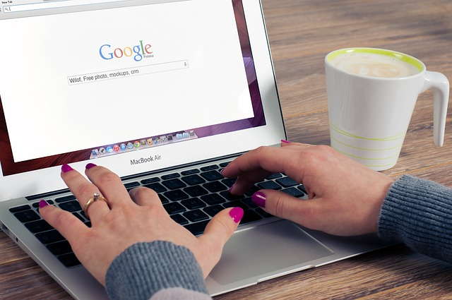 google actores y actrices españoles diseño web