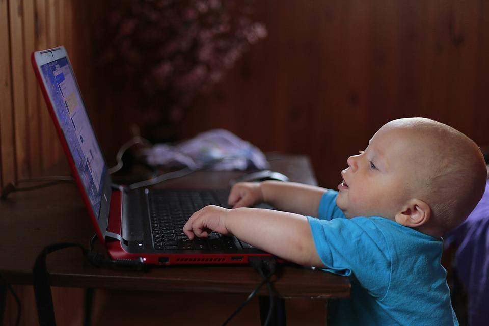redes sociales de tu empresa niño